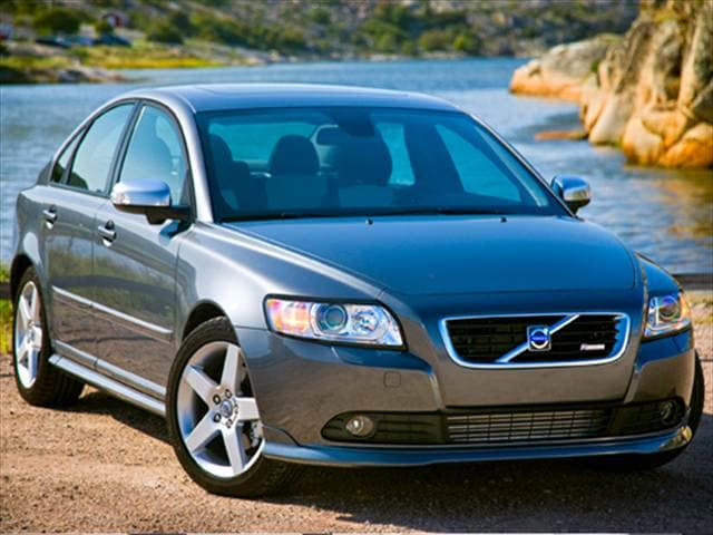 Most Fuel Efficient Luxury Vehicles of 2010 - 2010 Volvo S40