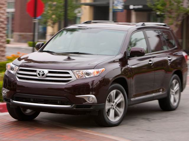 Best Safety Rated SUVs of 2011 - 2011 Toyota Highlander