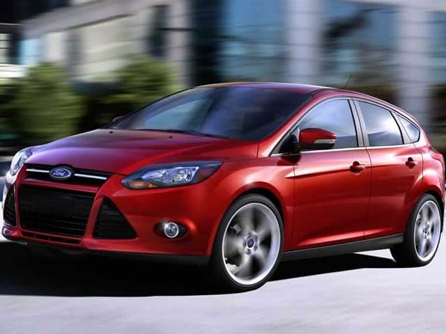 ford focus sel hatchback   car prices kelley blue book