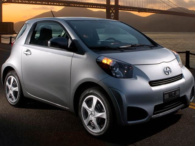 Best Safety Rated Hatchbacks of 2012 - 2012 Scion iQ