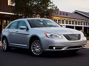 2013-Chrysler-200