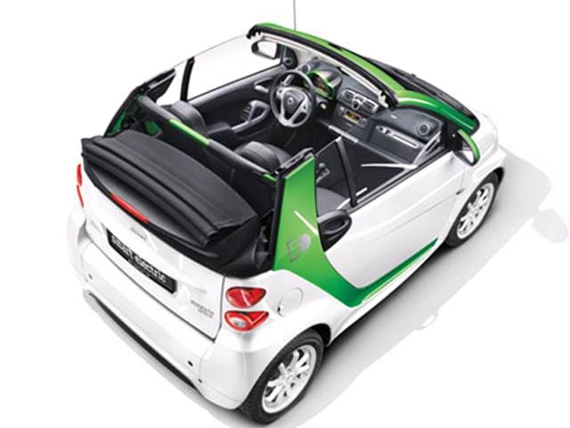 Most Fuel Efficient Convertibles of 2013 - 2013 smart fortwo electric drive