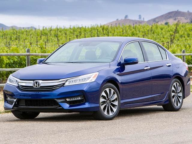 Best Safety Rated Sedans of 2017 - 2017 Honda Accord Hybrid