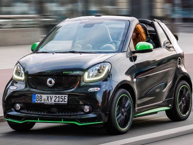 Most Fuel Efficient Convertibles of 2017 - 2017 smart fortwo electric drive cabrio
